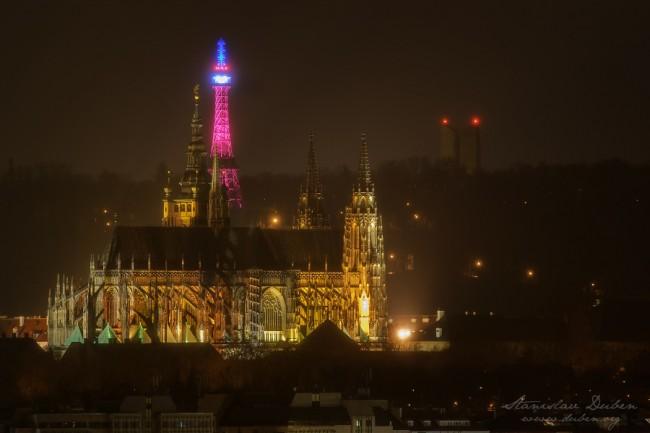 Praha petrinska rozhledna trikolora 03